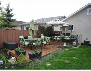 Photo 2: 125 SKOWRON in WINNIPEG: North Kildonan Residential for sale (North East Winnipeg)  : MLS®# 2909687