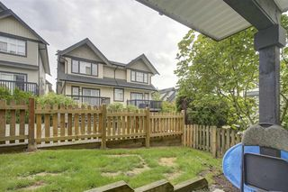 """Photo 17: 72 19932 70 Avenue in Langley: Willoughby Heights Townhouse for sale in """"SUMMERWOOD"""" : MLS®# R2405214"""