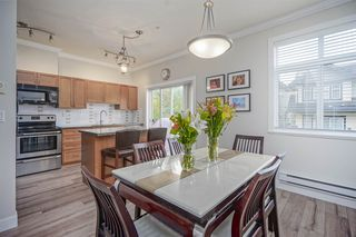"""Photo 5: 72 19932 70 Avenue in Langley: Willoughby Heights Townhouse for sale in """"SUMMERWOOD"""" : MLS®# R2405214"""