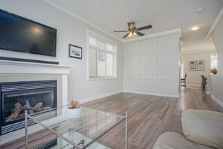 """Photo 4: 72 19932 70 Avenue in Langley: Willoughby Heights Townhouse for sale in """"SUMMERWOOD"""" : MLS®# R2405214"""