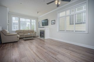 """Photo 3: 72 19932 70 Avenue in Langley: Willoughby Heights Townhouse for sale in """"SUMMERWOOD"""" : MLS®# R2405214"""