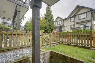 """Photo 16: 72 19932 70 Avenue in Langley: Willoughby Heights Townhouse for sale in """"SUMMERWOOD"""" : MLS®# R2405214"""