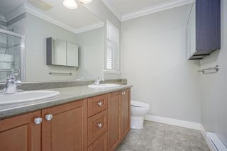 """Photo 15: 72 19932 70 Avenue in Langley: Willoughby Heights Townhouse for sale in """"SUMMERWOOD"""" : MLS®# R2405214"""