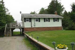 Photo 2: 229 Mcguires Beach Road in Kawartha L: House (Bungalow-Raised) for sale (X22: ARGYLE)  : MLS®# X1676934