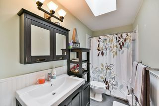 Photo 12: 5011 204TH Street in Langley: Langley City House for sale : MLS®# R2414334