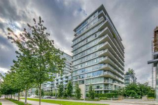 """Main Photo: 704 138 W 1ST Avenue in Vancouver: False Creek Condo for sale in """"WALL CENTRE FALSE CREEK ( EAST 2 TOWER)"""" (Vancouver West)  : MLS®# R2472113"""