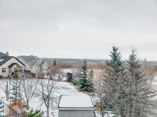 Photo 17: 104 Cougar Ridge Drive SW in Calgary: Cougar Ridge Detached for sale : MLS®# A1050909