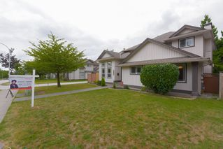 Photo 2: 8377 158 Street in Surrey: Fleetwood Tynehead House for sale