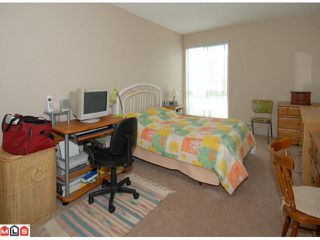 "Photo 6: 404 10662 151A Street in Surrey: Guildford Condo for sale in ""LINCOLN HILL"" (North Surrey)  : MLS®# F1023055"