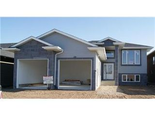 Photo 1: 631 Redwood Crescent: Warman Single Family Dwelling for sale (Saskatoon NW)  : MLS®# 381804