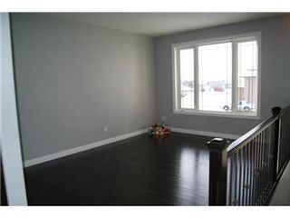 Photo 2: 631 Redwood Crescent: Warman Single Family Dwelling for sale (Saskatoon NW)  : MLS®# 381804