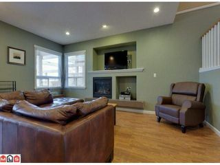 """Photo 4: 19091 68TH Avenue in Surrey: Clayton House for sale in """"CLAYTON VILLAGE"""" (Cloverdale)  : MLS®# F1028151"""