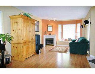 """Photo 5: 29 23085 118TH AV in Maple Ridge: East Central Townhouse for sale in """"SOMMERVILLE GARDENS"""" : MLS®# V537061"""