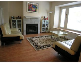 Photo 2: 315 E 6TH Street in North_Vancouver: Lower Lonsdale House 1/2 Duplex for sale (North Vancouver)  : MLS®# V718274