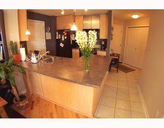 Photo 1: 134 30 RICHARD Court SW in CALGARY: Lincoln Park Condo for sale (Calgary)  : MLS®# C3373579