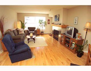 Photo 5: 134 30 RICHARD Court SW in CALGARY: Lincoln Park Condo for sale (Calgary)  : MLS®# C3373579
