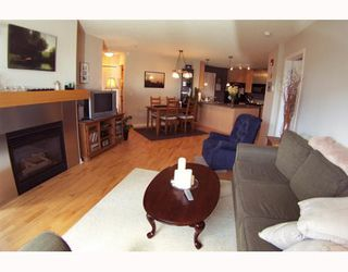 Photo 4: 134 30 RICHARD Court SW in CALGARY: Lincoln Park Condo for sale (Calgary)  : MLS®# C3373579