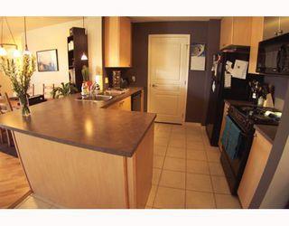 Photo 3: 134 30 RICHARD Court SW in CALGARY: Lincoln Park Condo for sale (Calgary)  : MLS®# C3373579