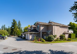 "Photo 2: 133 15550 26 Avenue in Surrey: King George Corridor Townhouse for sale in ""Sunnyside Gate"" (South Surrey White Rock)  : MLS®# R2400272"