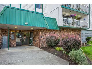 """Photo 18: 306 46374 MARGARET Avenue in Chilliwack: Chilliwack E Young-Yale Condo for sale in """"MOUNTVIEW APARTMENTS"""" : MLS®# R2400394"""