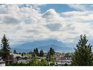 """Photo 16: 306 46374 MARGARET Avenue in Chilliwack: Chilliwack E Young-Yale Condo for sale in """"MOUNTVIEW APARTMENTS"""" : MLS®# R2400394"""