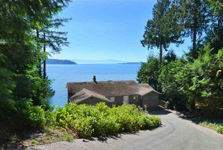 Main Photo: 8369 REDROOFFS Road in Halfmoon Bay: Halfmn Bay Secret Cv Redroofs House for sale (Sunshine Coast)  : MLS®# R2400874