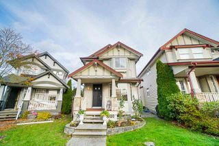 Photo 1: 6694 184B Street in Surrey: Cloverdale BC House for sale (Cloverdale)  : MLS®# R2415527