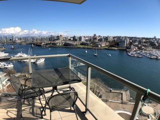 """Photo 3: 1103 1328 MARINASIDE Crescent in Vancouver: Yaletown Condo for sale in """"THE CONCORD"""" (Vancouver West)  : MLS®# R2444768"""