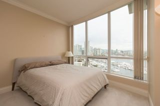"""Photo 12: 1103 1328 MARINASIDE Crescent in Vancouver: Yaletown Condo for sale in """"THE CONCORD"""" (Vancouver West)  : MLS®# R2444768"""