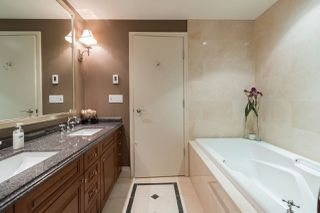 """Photo 15: 1103 1328 MARINASIDE Crescent in Vancouver: Yaletown Condo for sale in """"THE CONCORD"""" (Vancouver West)  : MLS®# R2444768"""