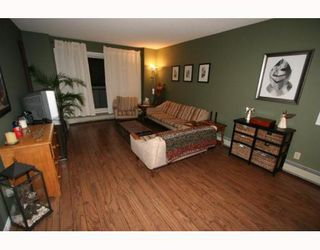 Photo 3: 220 2211 29 Street SW in CALGARY: Killarney Glengarry Condo for sale (Calgary)  : MLS®# C3391379