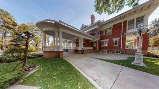 Photo 5: 6240 ADA Boulevard in Edmonton: Zone 09 House for sale : MLS®# E4198604