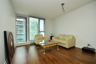 """Photo 21: 2301 233 ROBSON Street in Vancouver: Downtown VW Condo for sale in """"TV TOWERS 2"""" (Vancouver West)  : MLS®# V783514"""