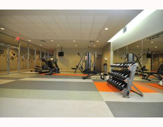 """Photo 9: 2301 233 ROBSON Street in Vancouver: Downtown VW Condo for sale in """"TV TOWERS 2"""" (Vancouver West)  : MLS®# V783514"""