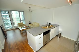 """Photo 23: 2301 233 ROBSON Street in Vancouver: Downtown VW Condo for sale in """"TV TOWERS 2"""" (Vancouver West)  : MLS®# V783514"""