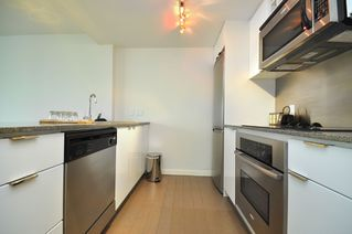 """Photo 19: 2301 233 ROBSON Street in Vancouver: Downtown VW Condo for sale in """"TV TOWERS 2"""" (Vancouver West)  : MLS®# V783514"""