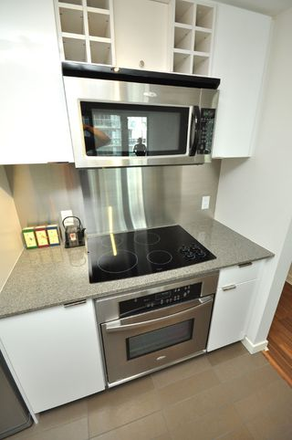 """Photo 20: 2301 233 ROBSON Street in Vancouver: Downtown VW Condo for sale in """"TV TOWERS 2"""" (Vancouver West)  : MLS®# V783514"""
