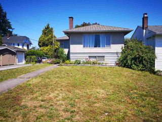 Photo 2: 6731 ELWELL Street in Burnaby: Highgate House for sale (Burnaby South)  : MLS®# R2478010