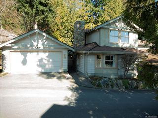 Photo 2: 14 500 Marsett Pl in Saanich: SW Royal Oak Row/Townhouse for sale (Saanich West)  : MLS®# 842051