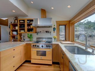 Photo 6: 2776 SEA VIEW Rd in : SE Ten Mile Point House for sale (Saanich East)  : MLS®# 845381