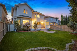 Photo 2: 165 STRATHLEA Place SW in Calgary: Strathcona Park Detached for sale : MLS®# A1025551