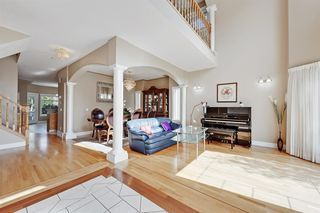 Photo 5: 165 STRATHLEA Place SW in Calgary: Strathcona Park Detached for sale : MLS®# A1025551