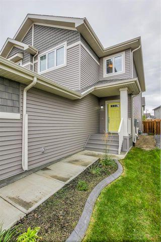 Photo 5: 6413 170 Avenue in Edmonton: Zone 03 House Half Duplex for sale : MLS®# E4213604