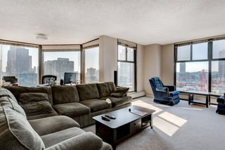 Photo 11: 1602 1100 8 Avenue SW in Calgary: Downtown West End Apartment for sale : MLS®# A1058809
