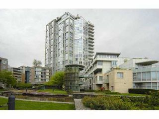 "Photo 2: 903 1228 MARINASIDE Crescent in Vancouver: False Creek North Condo for sale in ""CRESTMARK II"" (Vancouver West)  : MLS®# V825377"
