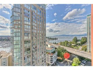 "Photo 9: 1702 907 BEACH Avenue in Vancouver: False Creek North Condo for sale in ""CORAL COURT"" (Vancouver West)  : MLS®# V849417"