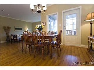 Photo 9: 2105 Bishops Gate in VICTORIA: La Bear Mountain House for sale (Langford)  : MLS®# 487689
