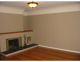 """Photo 2: 823 SCOTT Street in New_Westminster: The Heights NW House for sale in """"The Heights"""" (New Westminster)  : MLS®# V764653"""