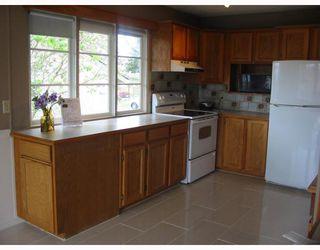 """Photo 4: 823 SCOTT Street in New_Westminster: The Heights NW House for sale in """"The Heights"""" (New Westminster)  : MLS®# V764653"""