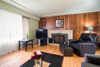 Photo 3: 2195 HAVERSLEY Avenue in Coquitlam: Central Coquitlam House for sale : MLS®# R2408489